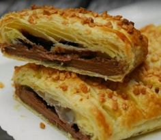 Chocolate Bar Wrapped in puff pastry. Need to substitute the egg wash and use dairy free chocolate but looks easy! Easy Chocolate Desserts, Chocolate Roll, Chocolate Pies, Easy Desserts, Delicious Desserts, Dessert Recipes, Baking Chocolate, Delicious Chocolate, Bon Dessert