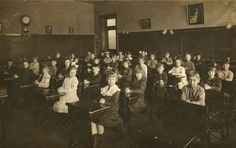 Class Portrait of Second Grade at Pettit School 1918 Abc School, Grammar School, Public School, Historical Images, Historical Society, School Fees, Rich Family, Poor Children, Second Grade