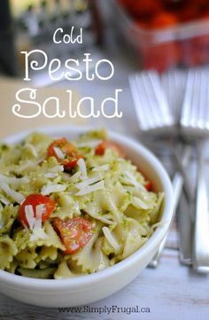 This Cold Pesto Salad is sure to please everyone at your gatherings! It's a healthy recipe that will use up leftover summer produce. Perfect dinner idea when family life gets busy. Side Dish Recipes, Veggie Recipes, Vegetarian Recipes, Cooking Recipes, Delicious Recipes, Tasty, Pesto Salad, Basil Growing, Pasta Salad Recipes