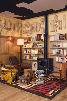 Philippe Starck transforms a former guesthouse into a hotel - - Cafe Interior Design, Top Interior Designers, Cafe Design, Interior Design Inspiration, Design Design, Design Trends, Philippe Starck, Plywood Furniture, Transformers