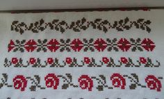 This Pin was discovered by ayş Fair Isle Pattern, Cross Stitch Borders, Baby Knitting Patterns, Needle And Thread, Beading Patterns, Handicraft, Crochet Stitches, Cross Stitch Embroidery, Needlepoint
