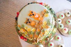 Amazing woodland wedding cake