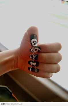 halloween skeleton nails