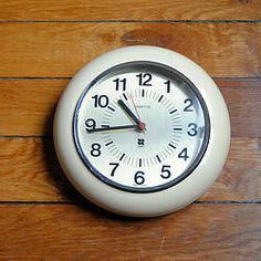 Pendule/ horloge Vedette vintage en plastique 70's