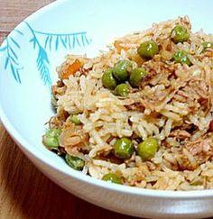 arroz-atum – Pin to pin Rice Recipes, Seafood Recipes, Cooking Recipes, Healthy Recipes, Cape Verde Food, Paella, Portuguese Recipes, Food Goals, Home Food