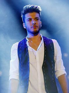 Blas Canto Auryn, Chocolate, Singers, Display, Backgrounds, Chocolates, Brown