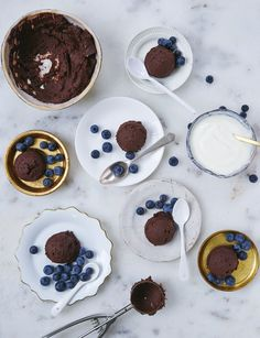 Hemsley+Hemsley BBtella spread, made with black beans and hazlenut butter. Dog Recipes, Sweet Recipes, Whole Food Recipes, Healthy Recipes, Healthy Chocolate, Chocolate Recipes, Flaxseed Bread, Hemsley And Hemsley, Easter Recipes