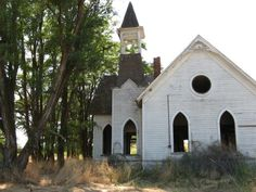 Would love to have seen the windows that once adorned this old church in Grass Valley, Oregon.