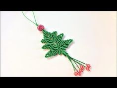Macrame craft tutorial: The christmas tree key chain - YouTube