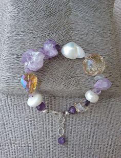 Amethyst, keshi pearl and champagne crystal bracelet, handcrafted bracelet from Spain, Amethyst bracelet, gift for her, statement bracelet