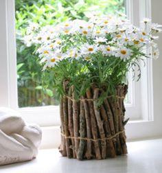 DIY twig flower pots from tin cans // Ronda cserepek / konzerv dobozok új ruhában - kaspó faágakból // Mindy - craft tutorial collection
