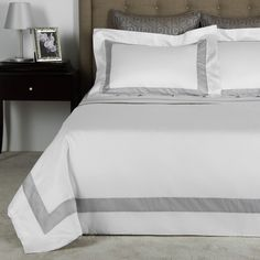 The ideal duvet cover can enhance the ambience of a bedroom in an instant. Find your duvet at Frette, the provider of the finest linens to homes and hotels. Linen Bedroom, Linen Bedding, How To Dress A Bed, Bed Linen Sets, Bath Linens, Sheet Sets, Bed Pillows, Duvet Covers, Furniture