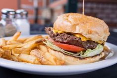 Did someone say cheeseburger 🍔? We've got what you're looking for and more here at Grill 'Em! . . . . . #steak #steakhouse #grillem #grillemsteakhouse #sanjose #campbell #foodie #grill #mediumrare #burgers #beers #tasty #bayarea #foodie #foodporn #foodgasm #nom #chefmode #hungry #instafoodie #instafoods #food #dinner #bayareafood #dubnation #paloalto #cupertino #giants #warriors #thebay #montereylocals #pacificgrovelocals- posted by Grill Em Steakhouse…