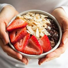 Cocoa Strawberry Quinoa Breakfast Bowls | The Full Helping
