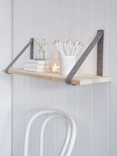 Add interest to plain walls with this on-trend contemporary hand-crafted shelf.