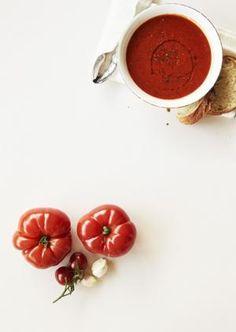 Resepti: Gazpacho | Mondo.fi Gazpacho, Vegetables, Recipes, Food, Vegetable Recipes, Eten, Veggie Food, Recipies, Ripped Recipes