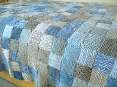 Lots of really good tips on how to knit a sky blanket with notes about quantity and colours of yarn
