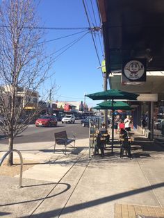 AFL Grand Final 2014 Day on Station Street Fairfield. Stunning weather and the perfect day to get some quiet space in the village to do shopping.