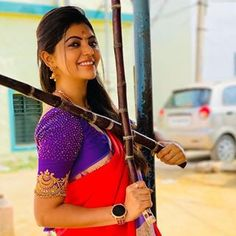 Sajna Bridal Wear Designer (@sajna_bridal_wear_designer) • Photos et vidéos Instagram Indian Ethnic, Sari, Photos, Wonder Woman, Culture, Superhero, Instagram, Character, Beauty