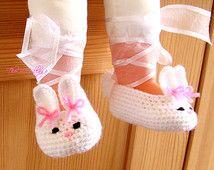 Crochet Bunny baby shoes, White handmade shoes, Baby Girl Ballerina