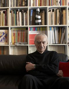 """RIP- Massimo Vignelli, who once designed the New York City subway map and created the Bloomingdale's """"brown bag,"""" died at 83. He and his wife made such an awesome team, designing timelessly...so inspiring."""