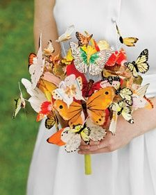 Laura Normandin fashioned her breathtakingly beautiful butterfly bouquet from silk and feather creatures secured on thin wires so that they float and flutter realistically. Learn how to make this Butterfly Bouquet here
