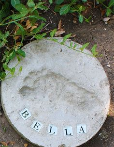 DIY Footprint Stepping Stone