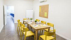 #Coworking Moli Lab en #Valencia. Valencia, Lab, Conference Room, Dining Table, Furniture, Home Decor, Work Spaces, Houses, Dining Room Table