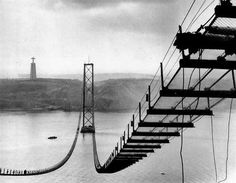 'Ponte sobre o Tejo' / Salazar, Lisboa Bridge Construction, Porto Portugal, Iberian Peninsula, Most Beautiful Cities, Black And White Pictures, Vintage Photography, Historical Photos, Travel Posters, Old Photos