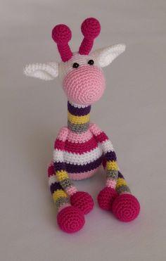 colourful giraffe amigurumi crochet toy baby par JoyToysbyTatiana