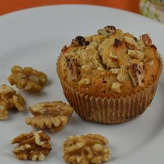 Honey Walnut Cupcake A sprinkle of walnuts gives this gluten-free cupcake a little crunch, while a trace of honey satisfies your sweet tooth.  Ingredients: 2 tablespoons almond flour 1 teaspoon coconut flour 1 pinch salt 1 pinch baking soda 1 egg white 2 teaspoons honey 1 tablespoon chopped walnuts