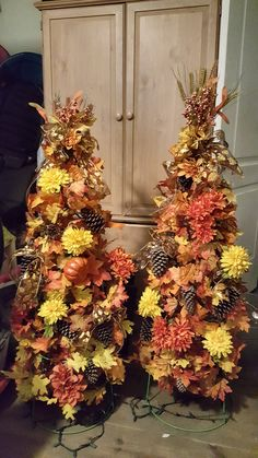 Fall trees are ready for this year! Fall Christmas Tree, Thanksgiving Tree, Holiday Tree, Thanksgiving Decorations, Fall Decorations, Holiday Decor, Tomato Cage Crafts, Fall Topiaries, Autumn Decorating
