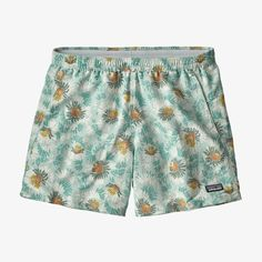 Patagonia Baggies, Patagonia Shorts, Patagonia Outdoor, Board Shorts Women, Outdoor Outfit, Online Bags, Patterned Shorts, Cool Outfits, Trendy Outfits