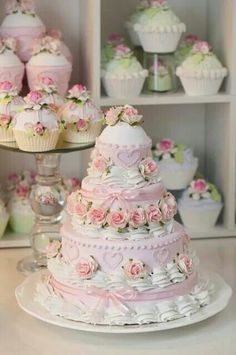 beautifully decorated cake and cupcakes Gorgeous Cakes, Pretty Cakes, Cute Cakes, Amazing Cakes, Bolo Floral, Floral Cake, Fake Cake, Dessert Decoration, Decorations