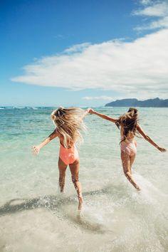 Hawaii Travel Bucket List: Bikini Beach. More Hawaii travel ideas on our site www.ourgoodadventure.com