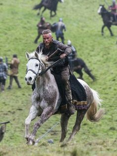 Early Middle Ages Viking raids in the best traditions of the Scandinavian sagas. Watch Vikings, Vikings Tv Series, Vikings Tv Show, Lagertha, History Chanel, King Ragnar Lothbrok, Viking Pictures, Viking Series, Viking Warrior