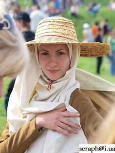 English peasant woman costume XIV c. by Luttrell Psalter Medieval european costume. Created by Liza Fudim (Russia), 2010.
