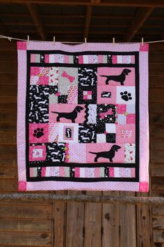 Cute Dachshund Quilt! But maybe for my BOXER in  blue and green. LOL
