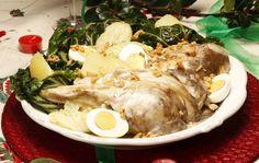 Caras de bacalhau com molho de alho. Uma receita tradicional para  este Natal.