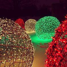 Diy christmas light balls lawn ornaments diy christmas lights and christmas light balls solutioingenieria Choice Image