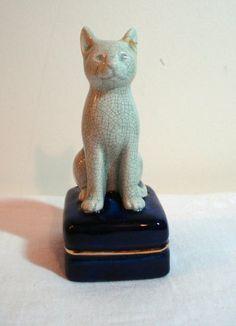 Crackle finish ceramic cat figurine on sachet box vintage ll1044