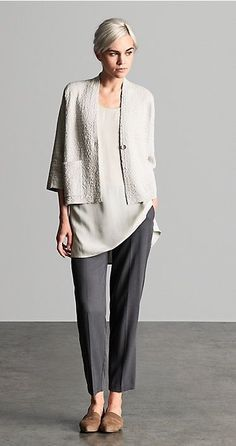 Shop women's casual clothing that effortlessly combines timeless, elegant lines with eco-friendly fabrics from EILEEN FISHER. Fashion Over 50, Look Fashion, Autumn Fashion, Fashion Outfits, Womens Fashion, Eileen Fisher, Mode Ab 50, Looks Street Style, Winter Mode