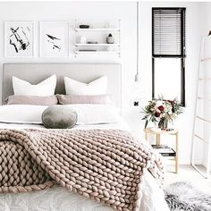 Perfect Saturday sleep in vibes Via @oh.eight.oh.nine . . . #weekendvibes #bedroominspo #bedroomdecor #homeinspo #homestyling #homedecor #instahomes #interiors2you