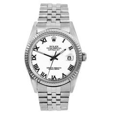 A stainless steel Jubilee bracelet is held with a deployment clasp to keep the Datejust men's automatic watch securely in place. Designed with a water-resistant construction, this handsome pre-owned Rolex is graced with a white dial.