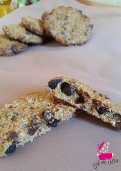 Sweet Cars 741475526124044304 - cookies au son d'avoine IG bas Source by caromonsarrat Raw Food Recipes, Veggie Recipes, Cookies Light, Desserts With Biscuits, Vegan Granola, Healthy Cookies, Dessert Healthy, Cookies Et Biscuits, Chocolate Chip Cookies