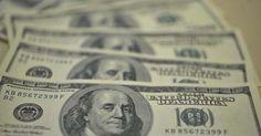 Brasil, dólar fecha no maior valor em três meses