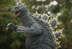 X-Plus Godzilla 1962 vinyl figure - daylight. Godzilla Toys, Japanese Monster, Michael Myers, Figure Model, King Kong, Bigfoot, Vinyl Figures, Vintage Toys, Good Movies