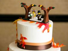 Break tradition with these 15 funny wedding cake toppers for the lighthearted co… - Coiffures De Mariage Lego Wedding Cakes, Funny Wedding Cake Toppers, Small Wedding Cakes, Wedding Topper, Funny Cake Toppers, Wooden Cake Toppers, Personalized Cake Toppers, Love Cake Topper, Acrylic Cake Topper