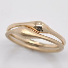 Wave stacking ring - 18k gold $165