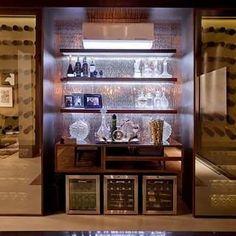 Os bares em casa são funcionais e dão um ar de requinte ao ambiente. Dos mais…